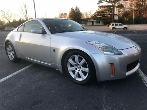 2004 Nissan 350Z for sale at GTO United Auto Sales LLC in Lawrenceville GA