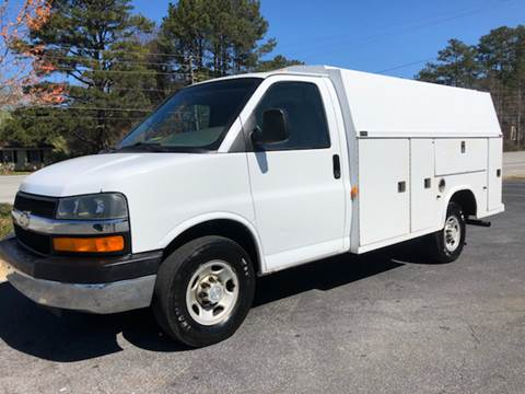 2006 Chevrolet Express Cutaway for sale at GTO United Auto Sales LLC in Lawrenceville GA