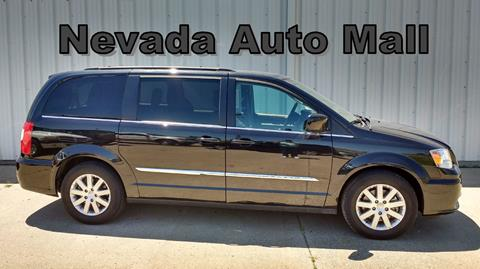 2016 Chrysler Town and Country for sale in Nevada MO