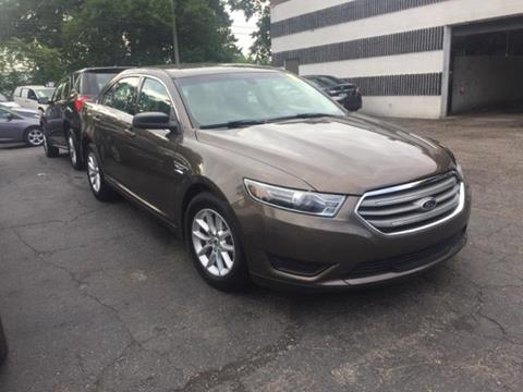 2015 Ford Taurus for sale in Eastpointe MI