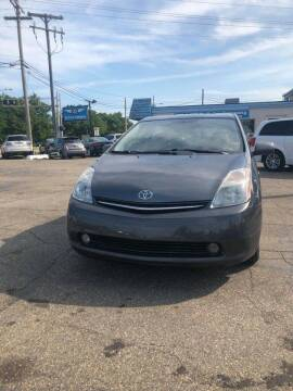 2008 Toyota Prius for sale at R&R Car Company in Mount Clemens MI
