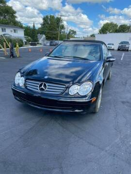 2004 Mercedes-Benz CLK for sale at R&R Car Company in Mount Clemens MI