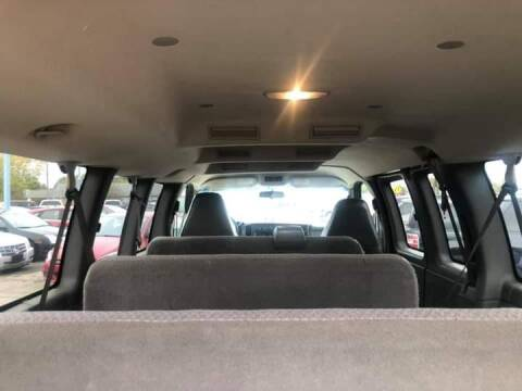 2006 Chevrolet Express Passenger for sale at R&R Car Company in Mount Clemens MI