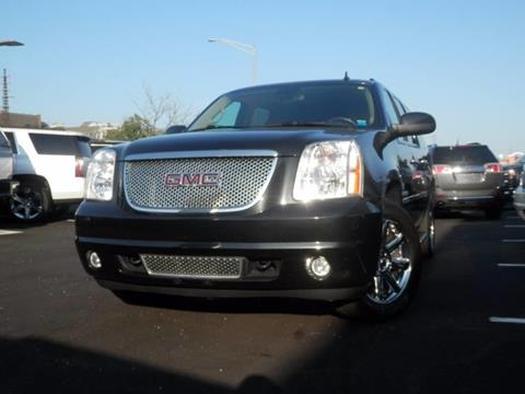 2013 GMC Yukon XL for sale in Rockville Centre NY