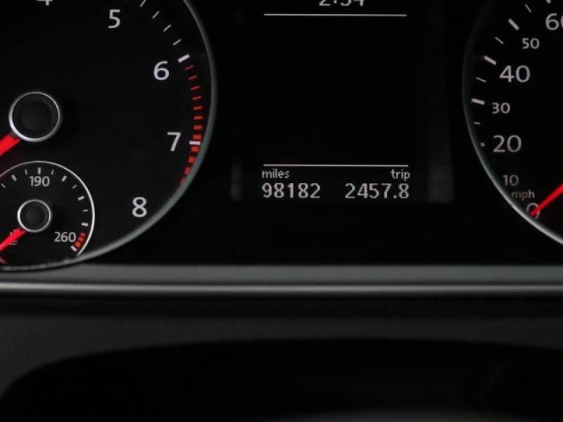 2012 Volkswagen CC Sport (image 34)