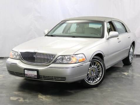 2009 Lincoln Town Car for sale at United Auto Exchange in Addison IL