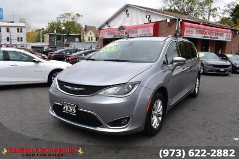 2019 Chrysler Pacifica for sale at www.onlycarsnj.net in Irvington NJ