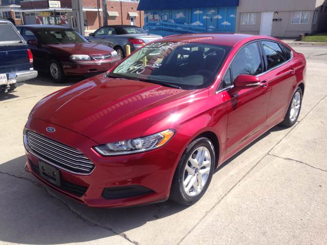 fusion ford review hybrid se me
