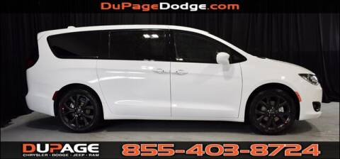 2020 Chrysler Pacifica Touring for sale at DuPage Dodge Chrysler Jeep in Glendale Heights IL