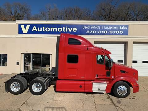 2013 Peterbilt 587 for sale at V Automotive in Harrison AR