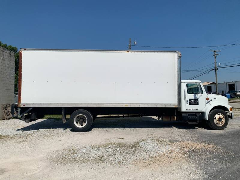 2000 International 4700 for sale at V Automotive in Harrison AR