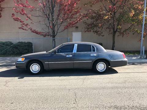 2001 Lincoln Town Car for sale in Spokane, WA