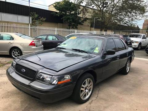 2004 Ford Crown Victoria for sale in Newark, NJ