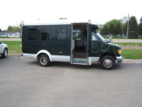 1997 Ford E-Series Chassis for sale in Austin, MN