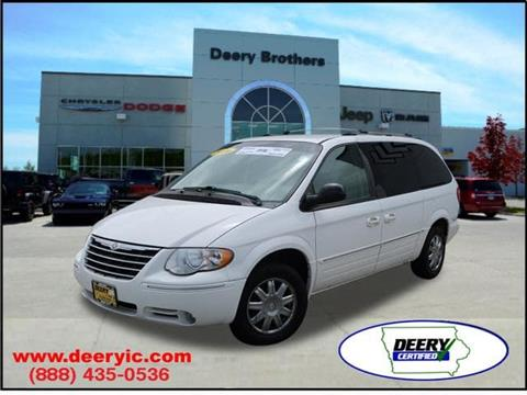 2006 Chrysler Town and Country for sale in Iowa City, IA