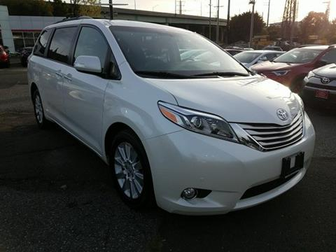 2015 Toyota Sienna for sale in Stamford, CT
