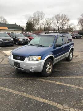 2007 Ford Escape XLT for sale at Dean's Auto Sales in Flint MI