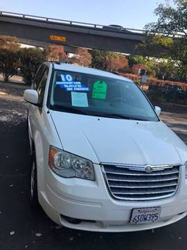 2010 Chrysler Town and Country for sale in Sacramento, CA