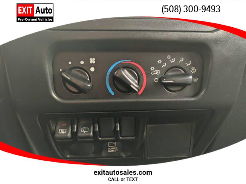 2005 Jeep Wrangler Sport (image 16)