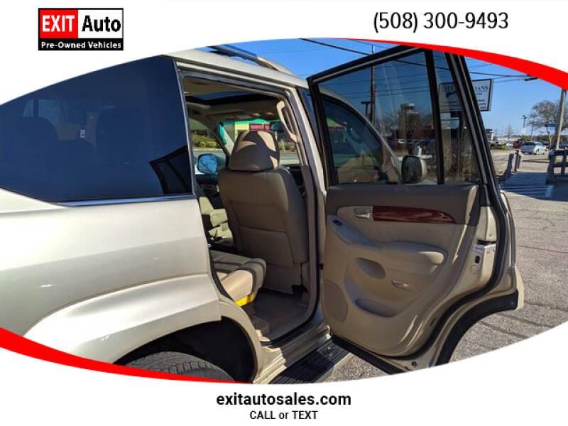 2009 Lexus GX 470 (image 32)