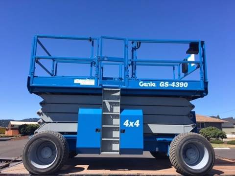 2005 Genie scissors lift 4390rt rough terrain for sale in Woodland WA