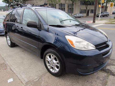 2005 Toyota Sienna for sale in Paterson, NJ