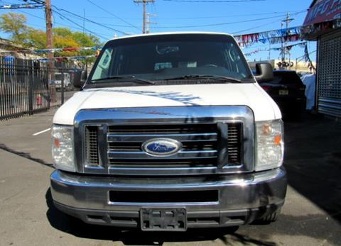 2013 Ford E-Series Wagon for sale in Paterson, NJ