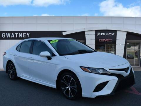 2018 Toyota Camry for sale at DeAndre Sells Cars in North Little Rock AR