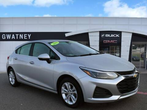 2019 Chevrolet Cruze for sale at DeAndre Sells Cars in North Little Rock AR