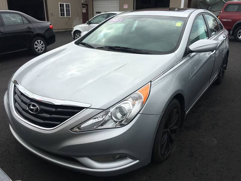2013 Hyundai Sonata for sale at Dijie Auto Sale and Service Co. in Johnston RI