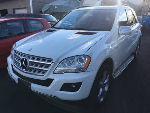 2009 Mercedes-Benz M-Class for sale at Dijie Auto Sale and Service Co. in Johnston RI