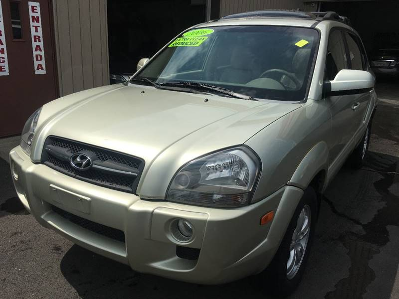 2006 Hyundai Tucson for sale at Dijie Auto Sale and Service Co. in Johnston RI