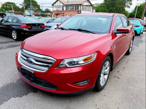 2010 Ford Taurus for sale at Dijie Auto Sale and Service Co. in Johnston RI