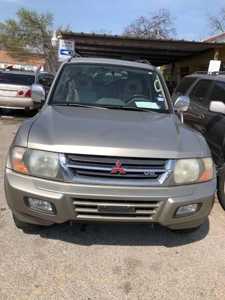 2001 Mitsubishi Montero for sale at Rhima Motor Company, Inc. in Haltom City TX