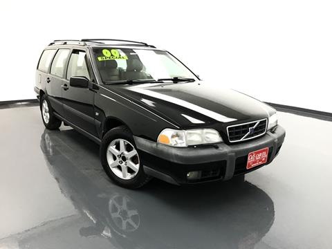 2000 Volvo V70 for sale in Waterloo, IA