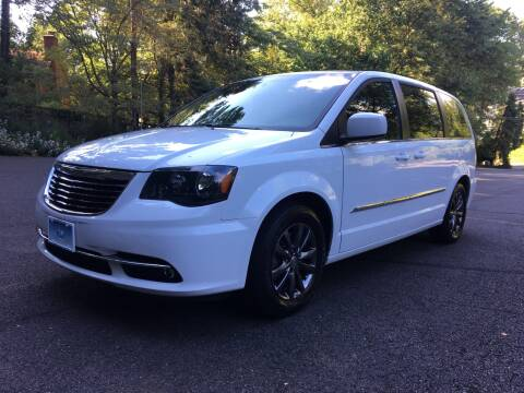 2016 Chrysler Town and Country for sale at Car World Inc in Arlington VA
