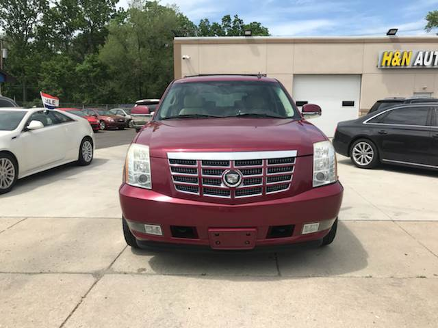 buy or b for and salvaged cadillac sell canada base escalade new trucks sale cars used