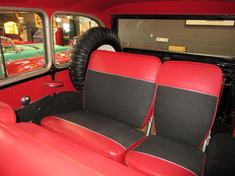1961 Willys Jeep 16