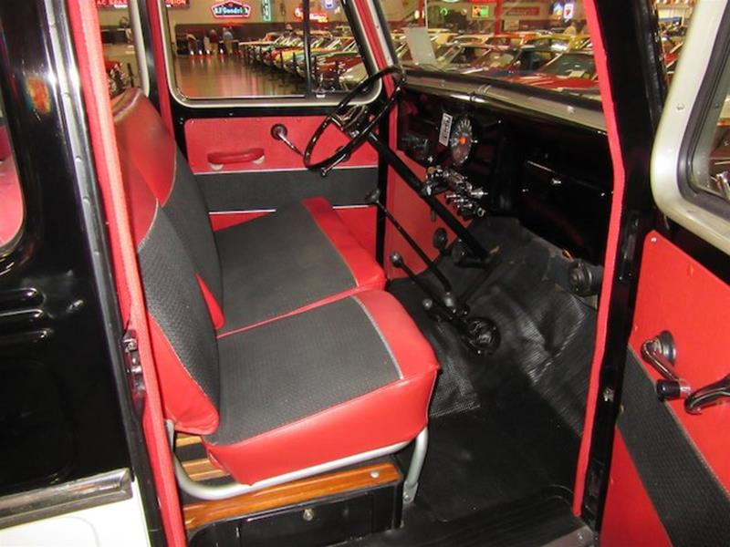 1961 Willys Jeep 18