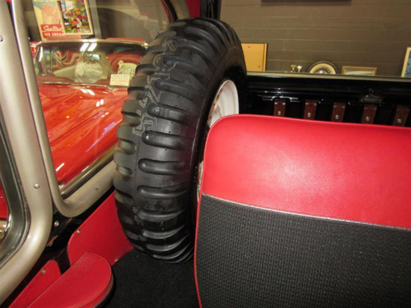 1961 Willys Jeep 21