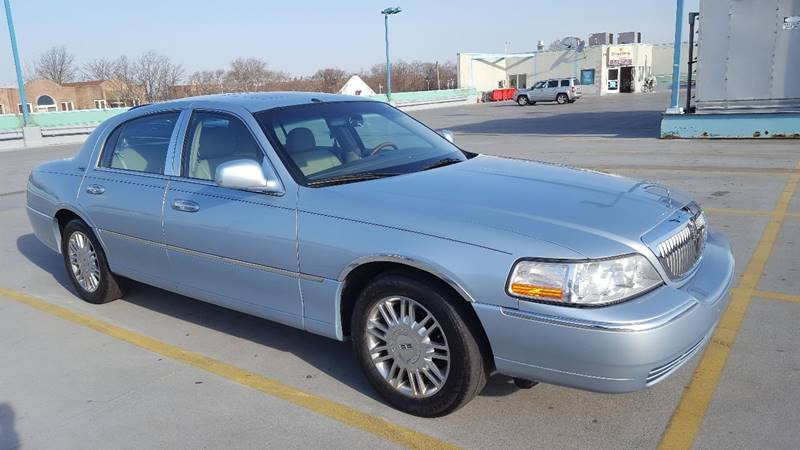 other looks pin no lincoln town sale is used where bu my car cars this pinterest the executive clean favorite idea
