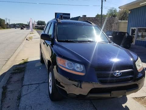 2009 Hyundai Santa Fe for sale at E Motors LLC in Anderson SC