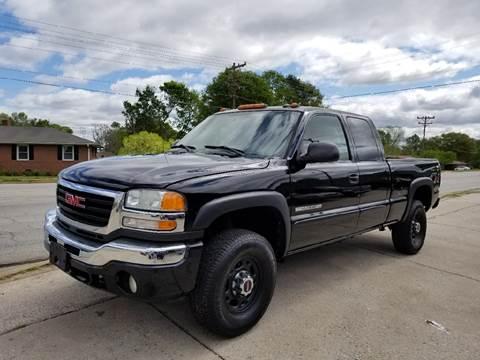 2005 GMC Sierra 2500HD for sale at E Motors LLC in Anderson SC