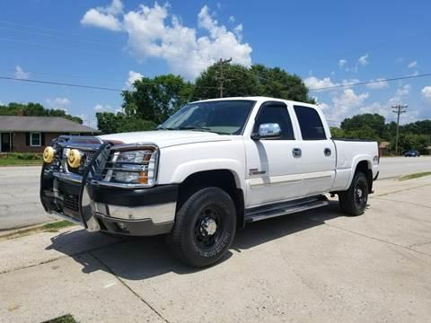 2004 Chevrolet Silverado 2500HD for sale at E Motors LLC in Anderson SC