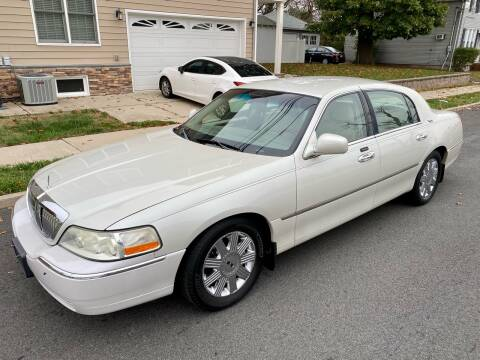 2005 Lincoln Town Car for sale at Jordan Auto Group in Paterson NJ