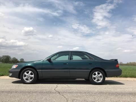 1998 Lexus ES 300 for sale at Ryan Motors LLC in Warsaw IN