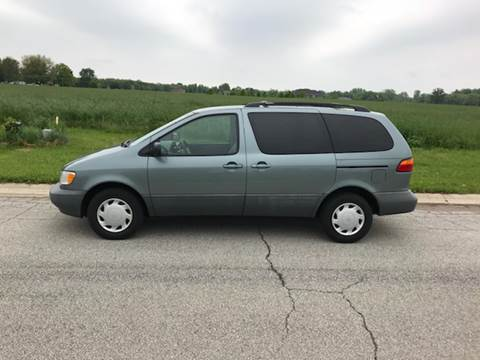 2000 Toyota Sienna for sale at Ryan Motors LLC in Warsaw IN