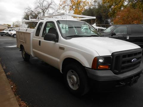 2006 Ford F-250 Super Duty for sale at Armstrong Truck Center in Oakdale CA