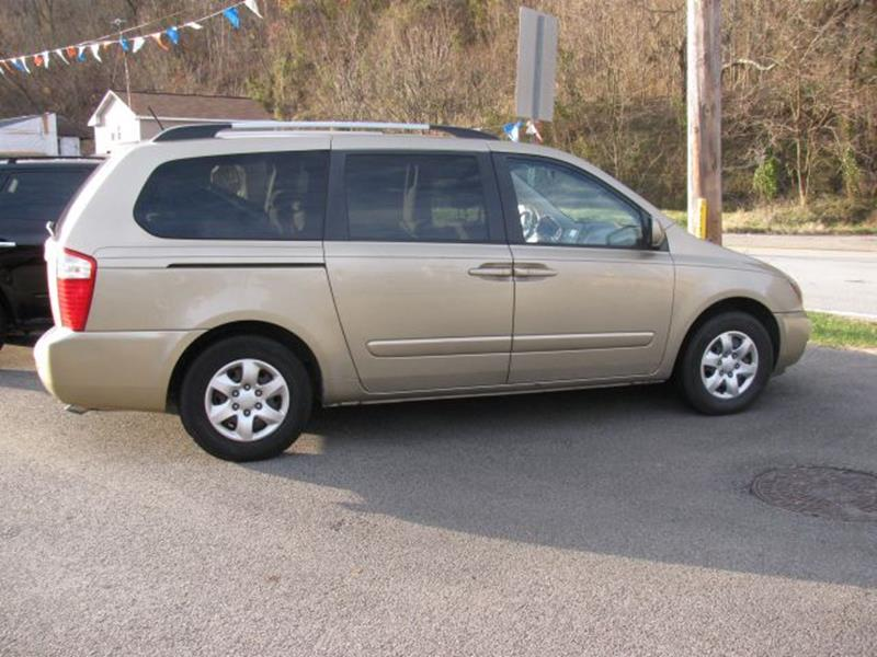 2010 Kia Sedona for sale at TRAIN STATION AUTO INC in Brownsville PA