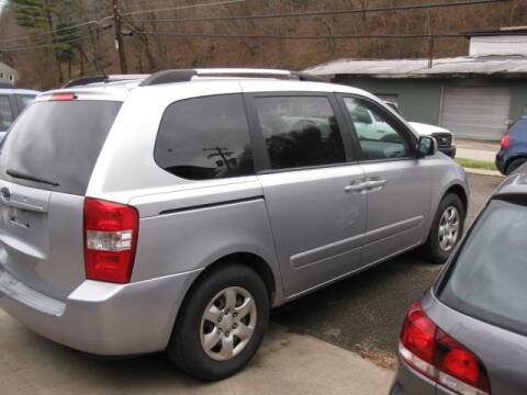2009 Kia Sedona for sale at TRAIN STATION AUTO INC in Brownsville PA